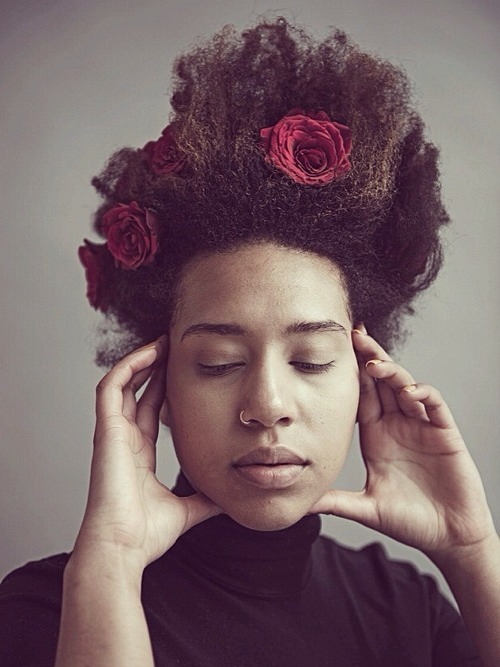 Nadine-Ijewere-Photography-flower-misinterpretation-project-about-profile-story-who-is-portrait-portraiture-floral-women-female (1)