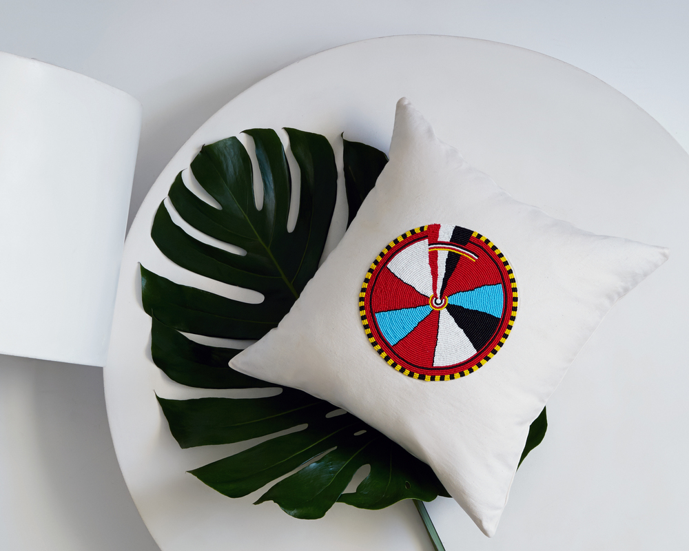 Needle_and_Thread_kenya-artisans-maasai-beading-home-interior-decor-celia-smith (1)